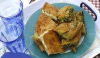 Scacce, piatto tipico della rosticceria modicana